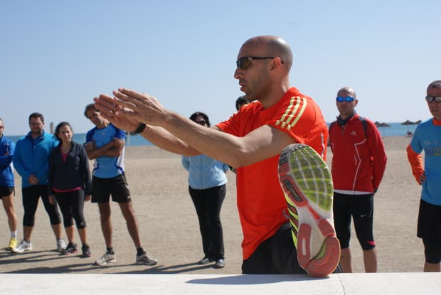 El entrenador debe estar en todas las fases del desarrollo del atleta