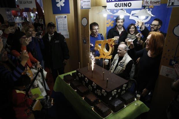 El festejo del medio siglo de Ediciones De la Flor, con Quino como invitado especial