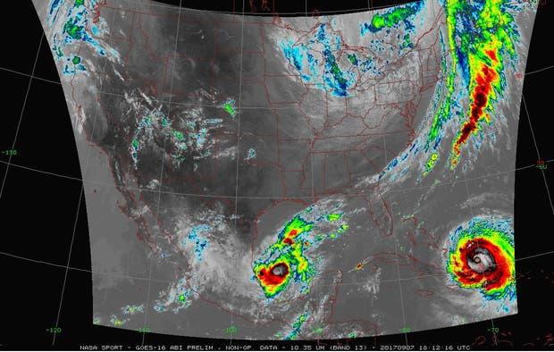 Irma y José en una imagen satelital