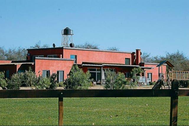 La Casa del ministro de Planificacion en el Complejo El Panal, en Zárate