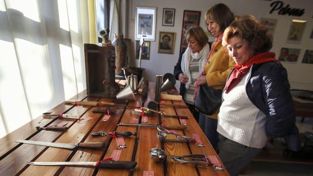 En el museo, se pueden conseguir souvenirs y los libros de la cocinera