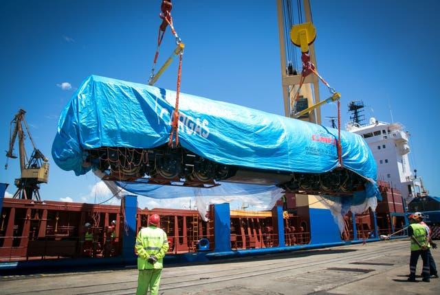 La descarga de las nuevas locomotoras