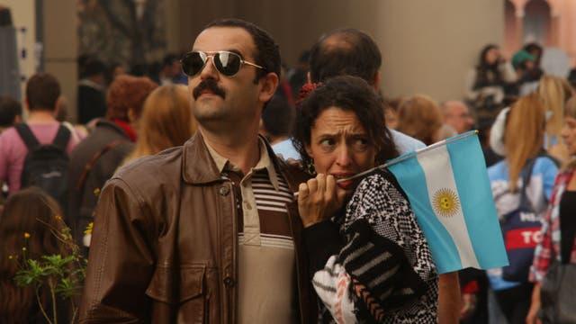 Diego Julio es Héctor y Carolina Chiarelli, Alicia, en la serie Los Trágicos