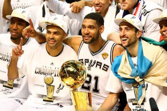 Los Spurs de Manu Ginóbili, nuevamente campeones de la NBA. Foto: AFP