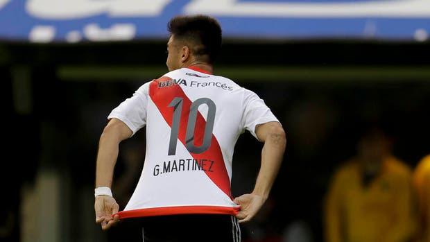 Pity Martínez celebra su gol ante Boca, el primero de River en la Bombonera