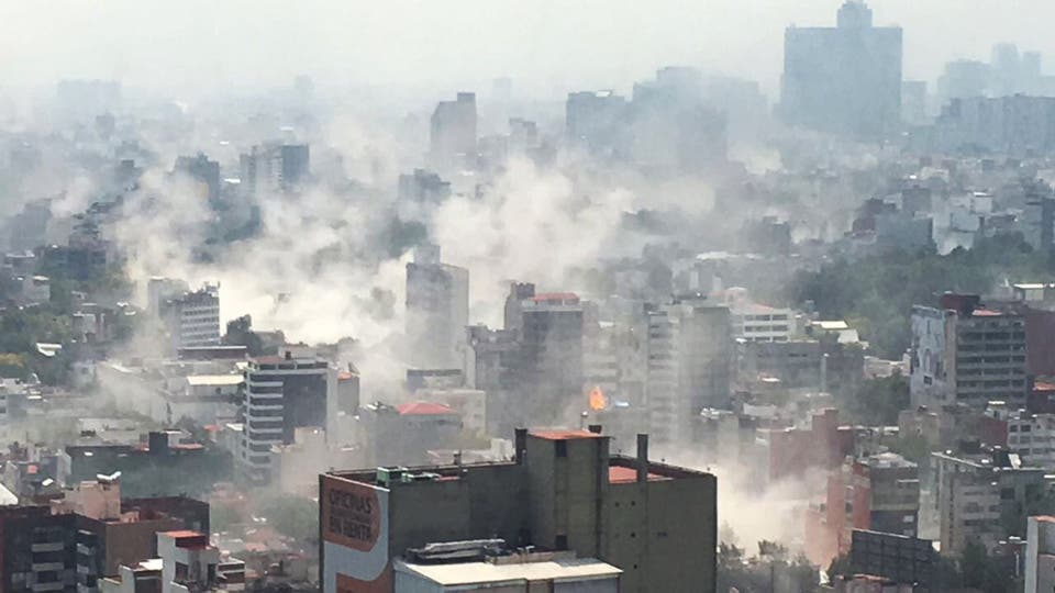 Una vista general de una zona de Ciudad de México durante el terremoto