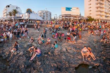 """""""El turismo nos está echando de la isla"""", dicen los residentes"""