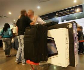 Las grandes pantallas de TV, en la mira de la Aduana