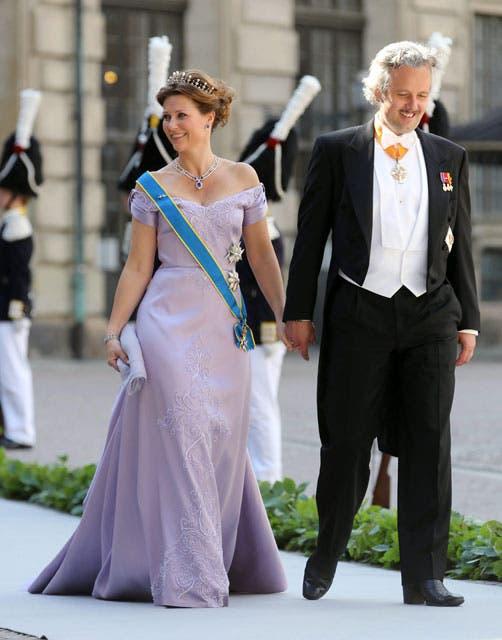 Marta Luisa de Noruega, que eligió el color lila de hombros caídos, sencillo y elegante. Foto: /AP y Getty