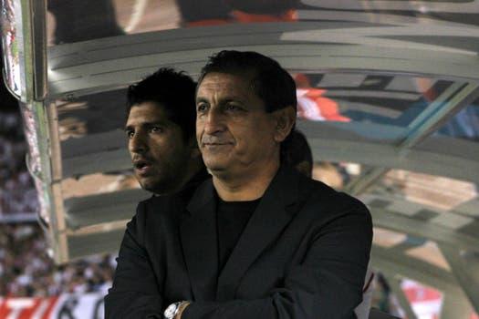 Dupla millonaria. Ramón Ángel Díaz, DT y figura de River Plate, y su hijo Emiliano, ayudante de campo y mano derecha. Foto: Archivo