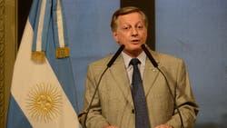 Juan José Aranguren confirmó que la luz sube en febrero y el gas aumenta en abril