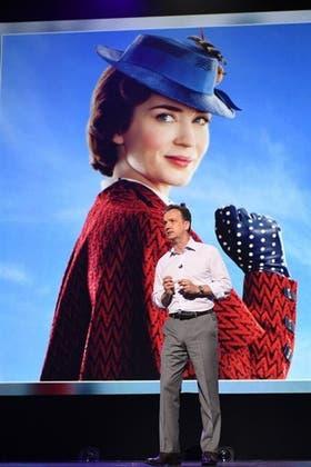 Mary Poppins: Sean Bailey, presidente de Producción de Disney, presenta a Emily Blunt, la nueva Julie Andrews