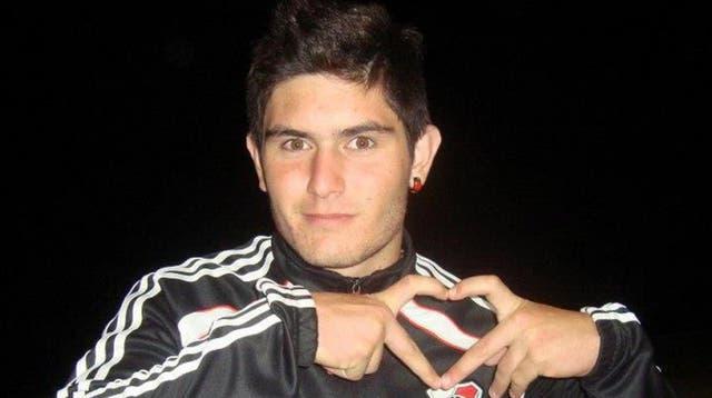 Gastón Galeano es futbolista de La Gloria Fútbol Club, un equipo regional de Trenque Lauquen