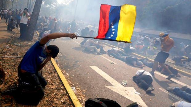Venezuela incurre en impago de su deuda