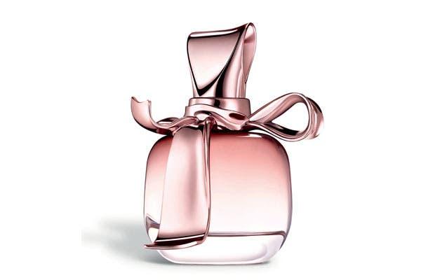 Mademoiselle Ricci: la nueva fragancia de Nina Ricci que rinde homenaje a las historias de amor verdadero (50ml x $390). Foto: Marce García PR