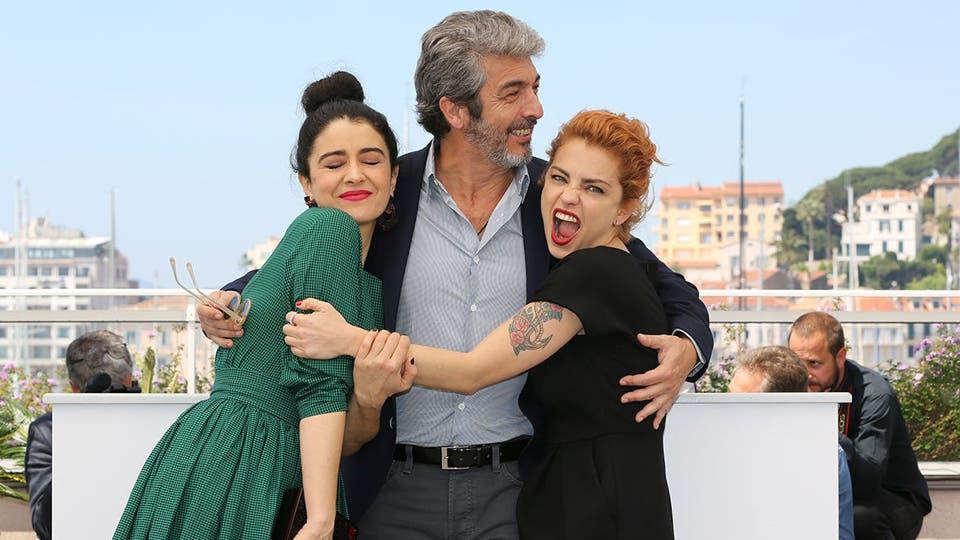 En el festival de Cannes Ricardo Darín, Erica Rivas, Dolores Fonzi y Santiago Mitre presentaron la película La Cordillera. Foto: festival Cannes