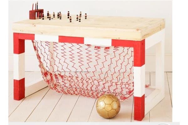 Un escritorio con arco incluído. ¿Qué te parece esta opción?. Foto: http://www.bloglovin.com