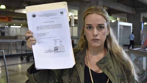 El chavismo reforzó su presión y le prohibió a Lilian Tintori salir de Venezuela