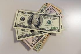 El dólar oficial se mantiene estable; del blue, aún no hay novedades