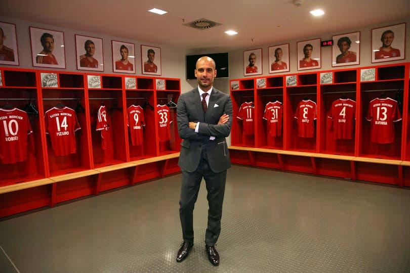Maso el vestuario de Bayern Munich. Maso la facha de Pep.. Foto: AFP
