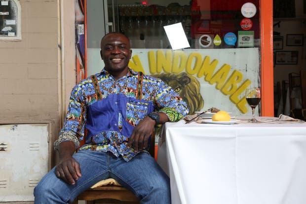 Maxime Tankouo aprendió a cocinar de su madre, en Douala