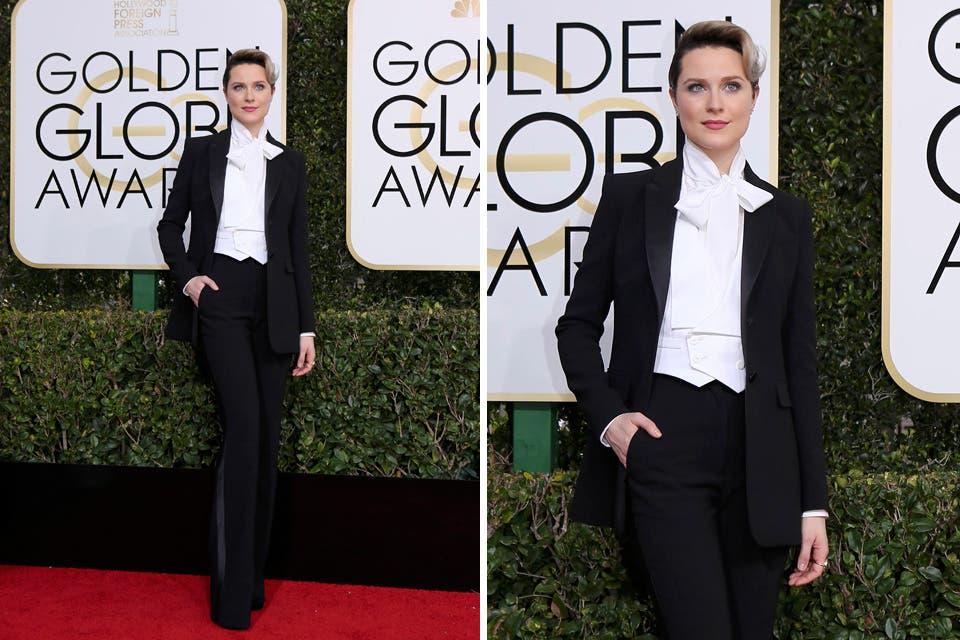 Uno de los estilismos más originales de la noche. Rachel Evan Wood llegó con un tuxedo de Altuzarra y sus sandalias de Jimmy Choo. Foto: OHLALÁ! /Reuters, AFP