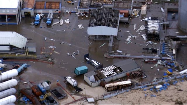Los techos de los galpones de un empresa desaparecieron casi por completo