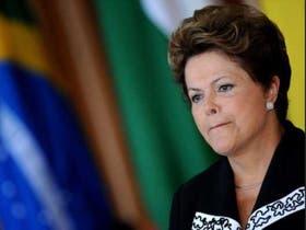 Según la presidenta brasileña, la economía mundial debe mejorar este año y ayudar al crecimiento de Brasil.