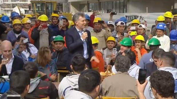 Macri almorzó con trabajadores de Villa Olímpica