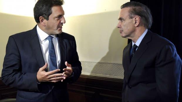 Massa (Frente Renovador) y Pichetto (Frente para la Victoria, en una reunión en mayo pasado