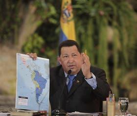 El presidente regresó de su viaje a Brasil y horas después hizo su aparición pública