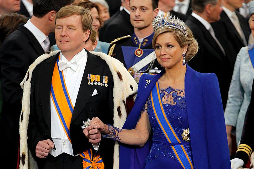 El flamante monarca, acompañado por Máxima, protagoniza la ceremonia de investidura frente a la presencia de delegaciones internacionales. Foto: AFP