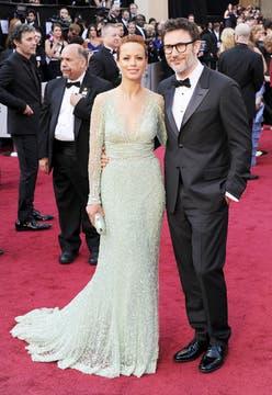 La argentina Berencie Bejo y su esposo, el director Michel Hazanavicius. Foto: AFP