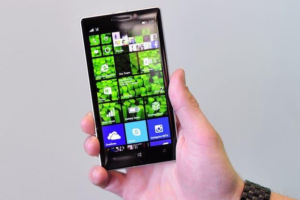 Una vista del Nokia Lumia 930, un calco del modelo Icon presentado por la compañía en EE.UU. junto a Verizon