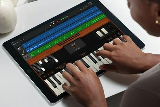 iPad Pro se posiciona como una tableta para tareas productivas y para el uso de instrumentos virtuales desde aplicaciones.