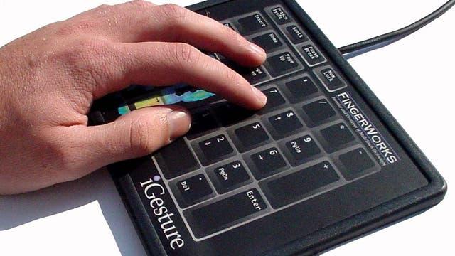 El iGesture de FingerWorks, que incorporaba la tecnología de multitoque que luego usó el iPhone