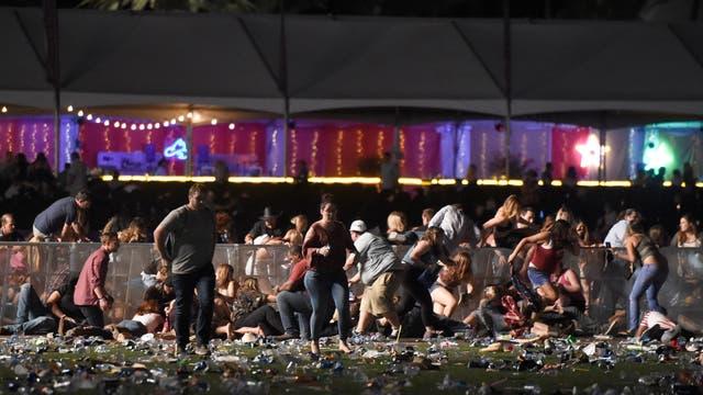 Los testigos del incidente dijeron ver múltiples víctimas mientras huían de los disparos