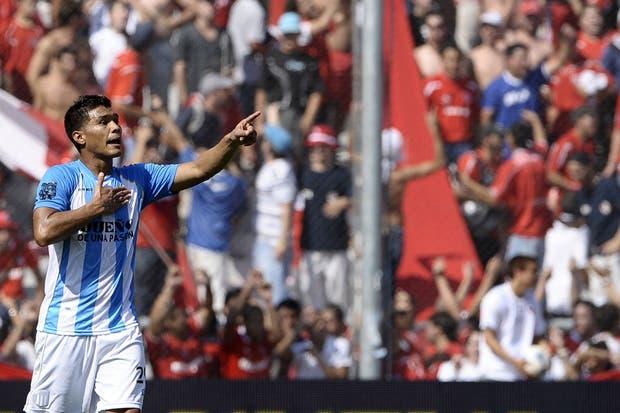 El último clásico en el estadio de Independiente fue goleada para el local y terminó con Teo y el arma en el vestuario
