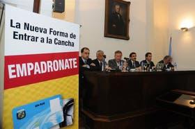 Turnes (River), Lorente (Newell's), Segura (Argentinos), Casalla (AFA), Casaín (Telecom) y A. Pérez (Belgrano), en el lanzamiento
