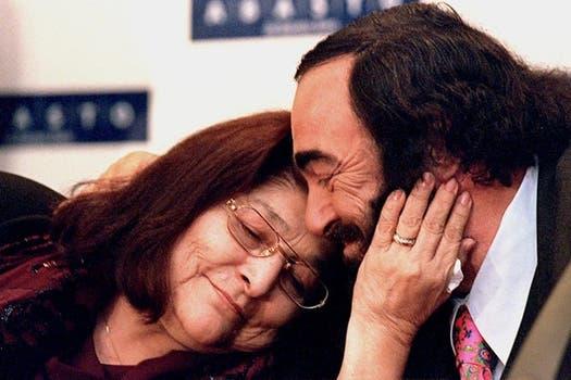 En 1999.  Junto a Luciano Pavarotti.. Foto: Archivo