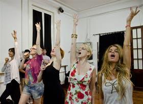 Las Chicago girls: Marcela Paoli, Melania Lenoir, Alejandra Radano, Sandra Guida y Florencia Peña