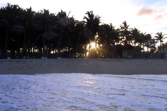 La playa, nada mejor para terminar el día. Foto: LA NACION / Carlos Sanzol