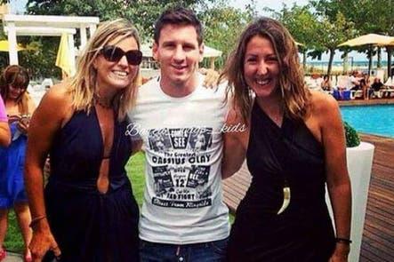 Las fotos de las vacaciones de Lionel Messi en el Caribe en un paraíso, pero con fans