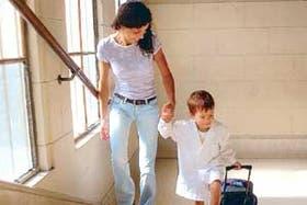 En el primer día de clases los niños más pequeños sienten ansiedad por separarse de sus padres