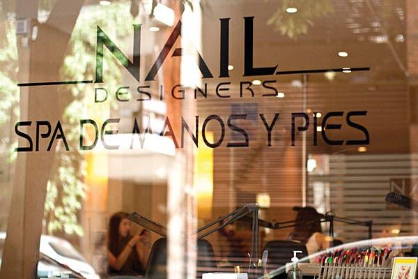 Nail Designers lleva 12 años en el barrio. Foto: Florencia Cosin