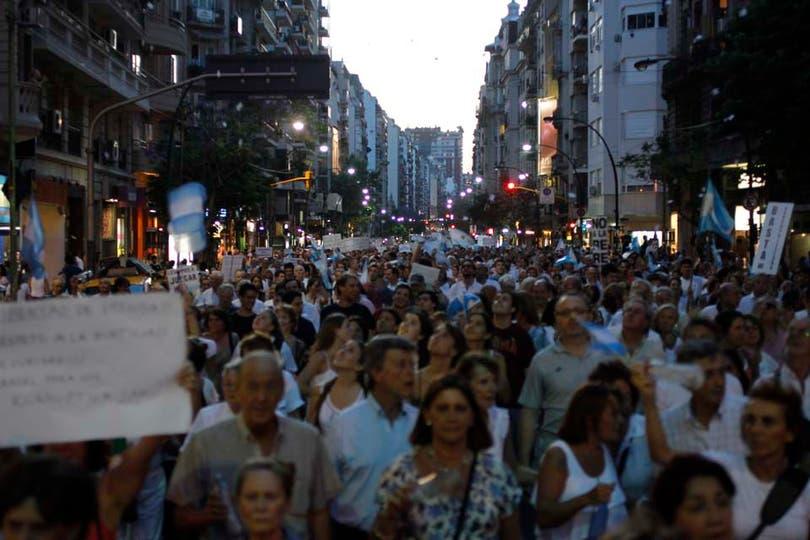 Se trata de la segunda gran protesta contra el Gobierno convocada desde las redes sociales. Foto: LA NACION / Rodrigo Néspolo