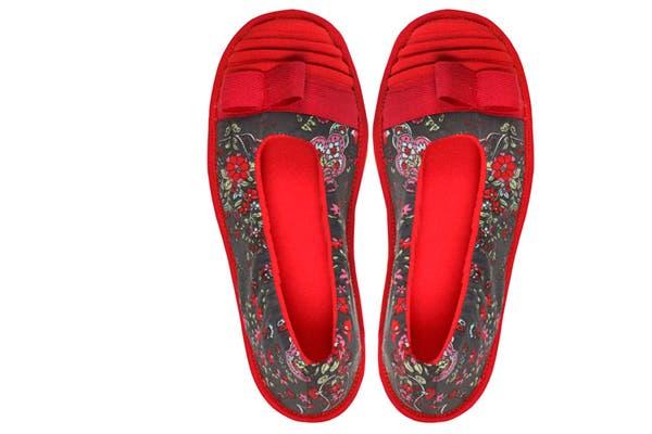 Se puede estar cómoda y mantener el estilo con estas Floripondias. Se venden desde $175. Foto: Gentileza Floripondia