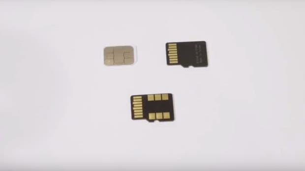 Arriba, una nano SIM, una microSD y, abajo, un chip FuZion que combina ambas funciones