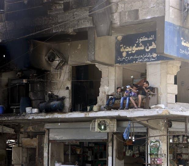 Los vestigios de la guerra, en un barrio de la castigada Aleppo