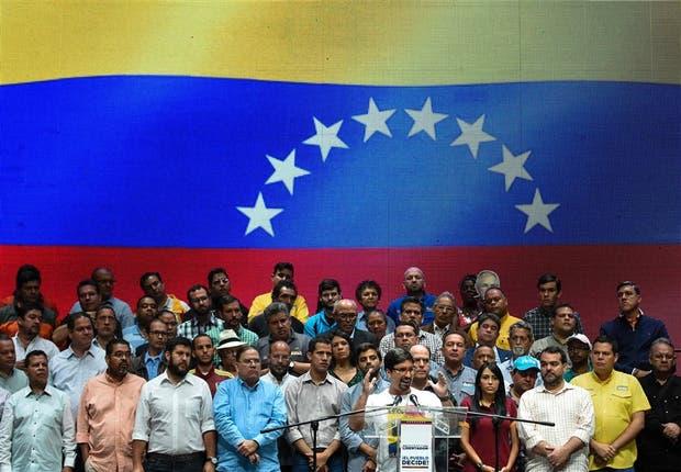 Guevara, vicepresidente de la Asamblea, anunció el plan opositor